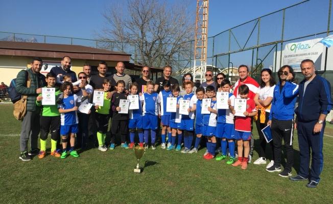 Kemerburgaz Futbol Klübü Antremanlarına devam ediyor