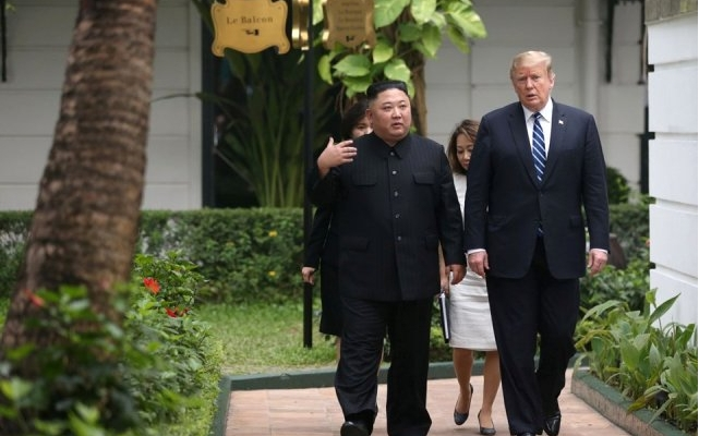 Trump ve Kim Arasında Yapılan Görüşmede Anlaşma Sağlanamadı