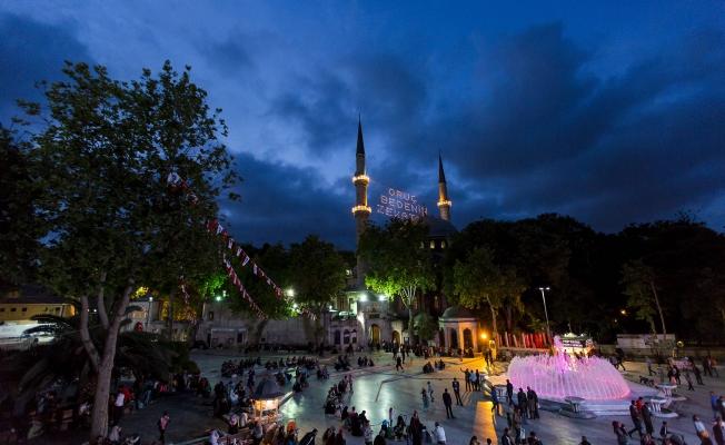 Eyüpsultan, Onbir Ayın Sultanı Ramazan'ı Karşılamaya Hazır...