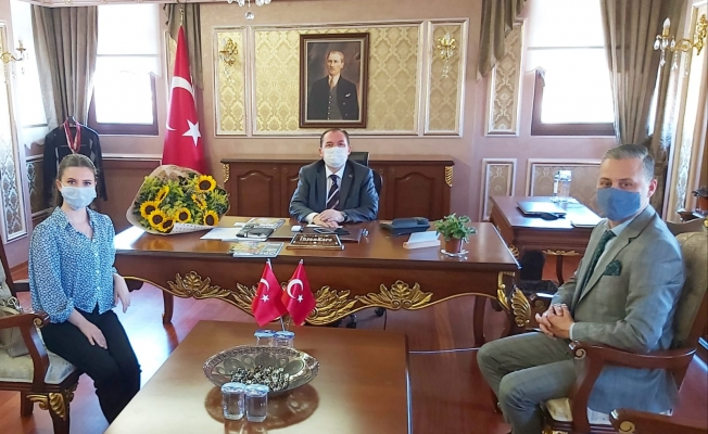 Ümit Öner Eyüpsultan Kaymakamı İhsan Kara'yı makamında ziyaret etti