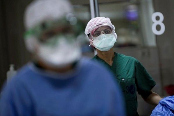 Bakan Koca corona virüs vaka sayılarındaki artışa dikkat çekmişti: Kent alarma geçti