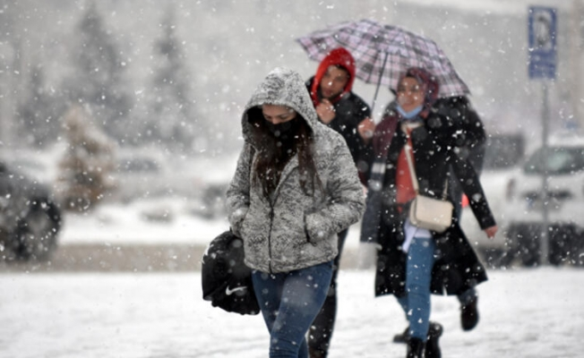 Meteoroloji tarih verdi! İstanbul'a kar geri geliyor...