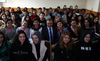 Başkan Deniz Köken'den gençlere burs müjdesi
