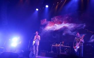 Mor Ve Ötesinden Zorlu Psm'de Muhteşem Konser