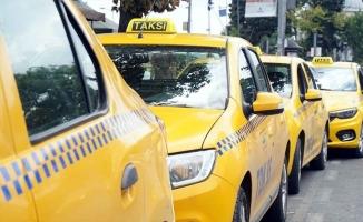 İBB'den Taksi Kararı: Taksiler İzlenecek, Denetlenecek!