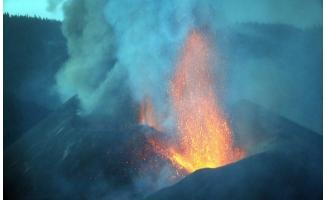 İspanya'da yanardağ alarmı: Yüzlerce kişi daha tahliye edildi!