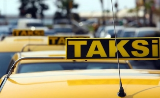Prof. Özgenç taksiler için kanun taslağı hazırladı: Cumhurbaşkanlığı ve TBMM'yle paylaştı