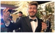 Enes Batur'un Ödülü Geri Alındı