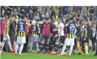 Fenerbahçe-Beşiktaş maçı yarıda kaldı! Fenerbahçe hükmen yenik mi?