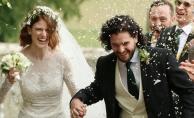 Taht Oyunları'ndan nikah masasına: Dizi yıldızları evlendi!