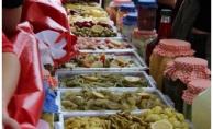 Kemerburgaz Meydanı'ndan Geleneksel Turşu Festivali gerçekleşti.