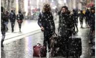 İstanbul'da Kar Yağışı Salı Günü Akşam Saatlerine Kadar Etkili Olacak
