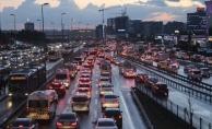 İstanbul'un Hızını Ölçtüler: Trafikte Kalmak İstanbulluya Pahalıya Mâl Oluyor