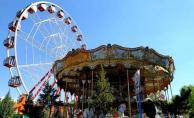 Lunapark ve tematik parklar, temizlik, maske ve mesafe şartıyla 6 Temmuz'dan itibaren faaliyetlerine başlayabilecek.